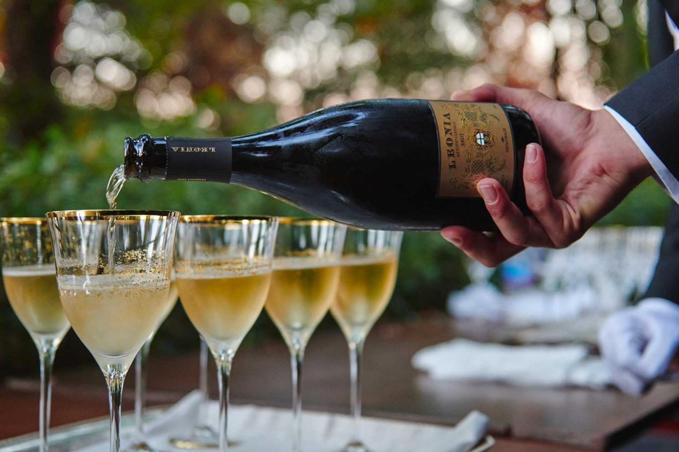 bicchieri di vino e i flute di champagne